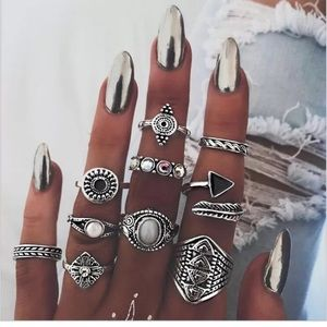 Jewelry - 🆕 10 piece knuckle/ midi ring set!